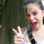 Com novo vídeo, MC Melody vira piada na web