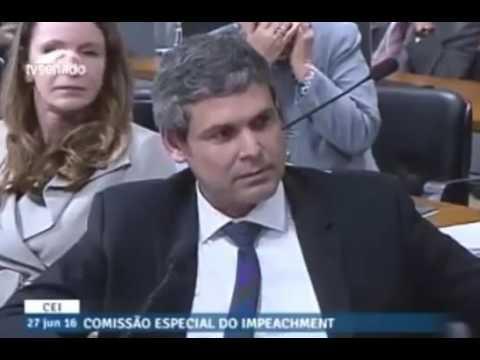 Coautora do pedido de impeachment contra Dilma Rousseff, Janaína Paschoal se impõe contra Lindbergh