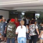 Amazonenses ficam retidos na Venezuela após serem abandonados por agência de viagens. Sem dinheiro para pagar hotel, foram despejados e estão impedidos de voltar ao Brasil