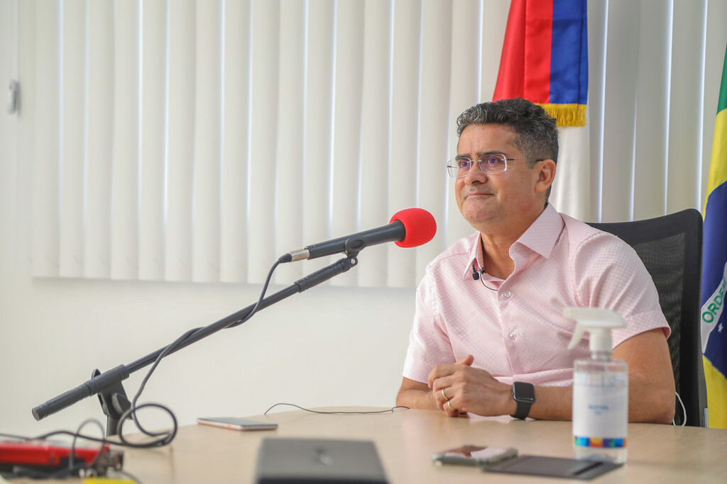 Em entrevista à BBC, David Almeida destaca ZFM e afirma que não haverá terceira onda da Covid-19 em Manaus