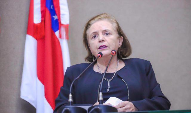 Deputada Therezinha Ruiz manifesta repúdio aos crimes de feminicídio