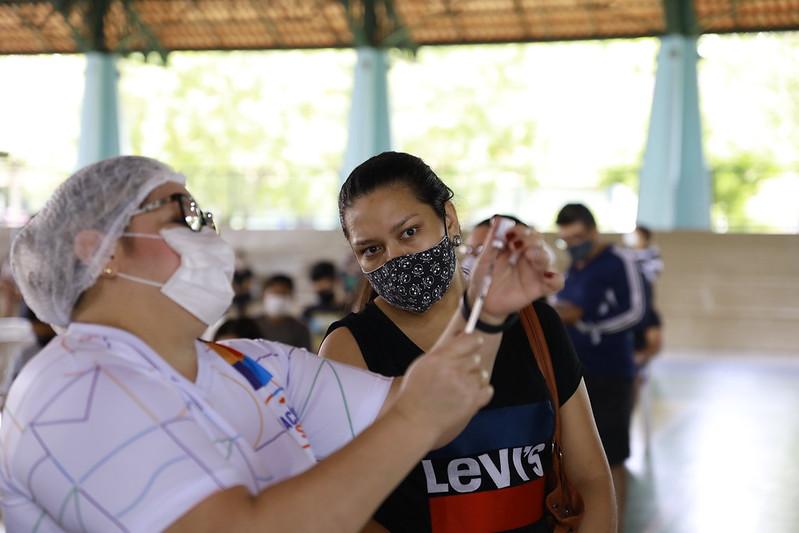 Sete pontos de vacinação da Prefeitura contra a Covid-19 funcionam neste sábado, em Manaus