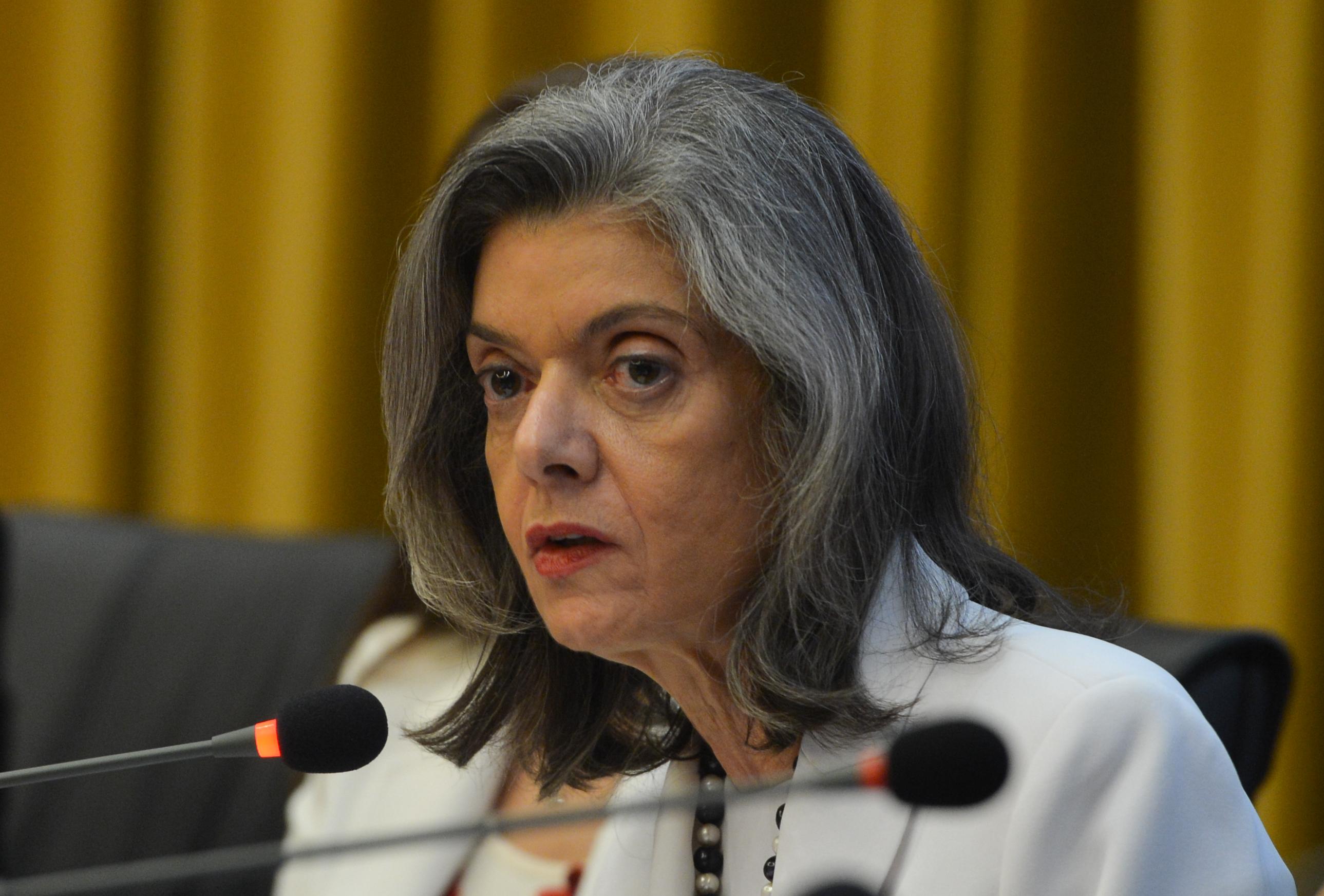 CPI: Ministra Cármen Lúcia nega pedido de suspensão de quebra de sigilos do tenente-coronel Hélcio Bruno