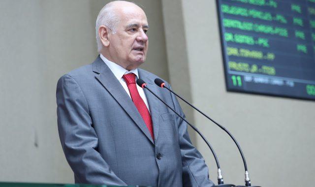 'Petrobras precisa definir se pertence a seus acionistas ou aos brasileiros', afirma deputado Serafim Corrêa
