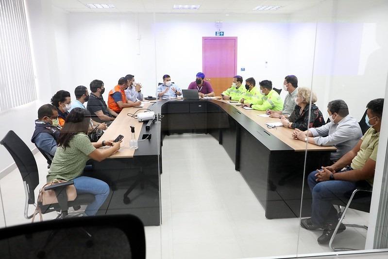 Comitê municipal vai monitorar eventos e garantir serviços públicos essenciais no feriado em Manaus