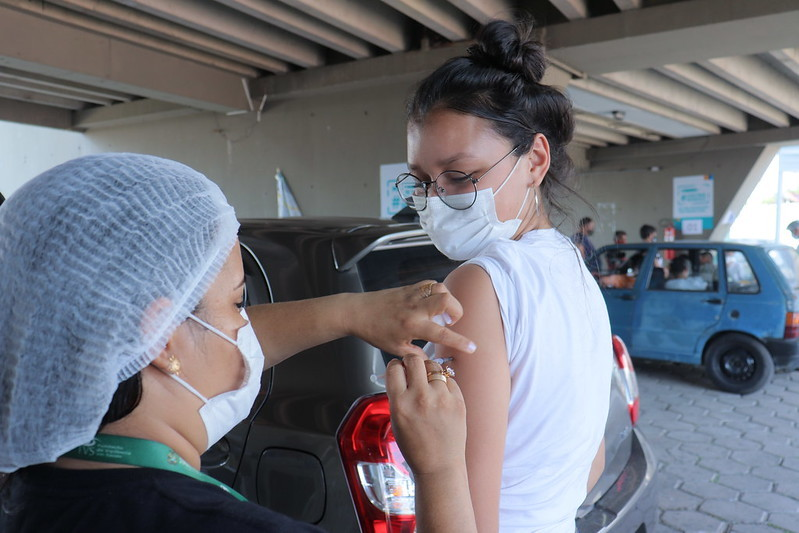 Após recomendação do Ministério da Saúde, Prefeitura de Manaus suspende vacina para adolescentes contra a Covid-19