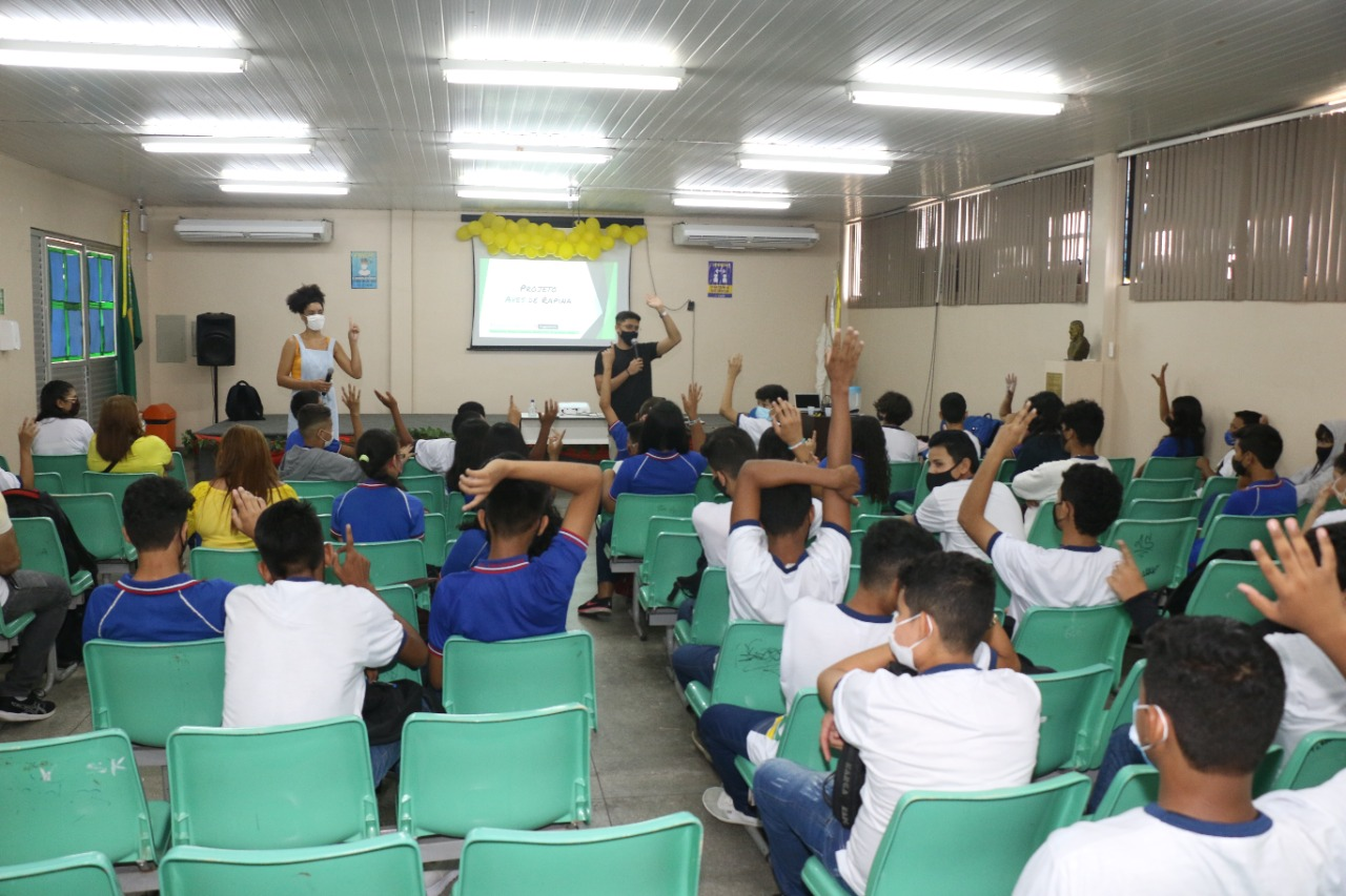Setembro Amarelo: professora da rede estadual usa própria experiência para conscientizar estudantes